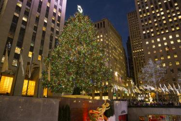 YouTube 【ニューヨーク・ロックフェラーセンター】スケートリンクでおなじみの観光スポットロックフェラーセンターの真横にある有名なクリスマスツリーです